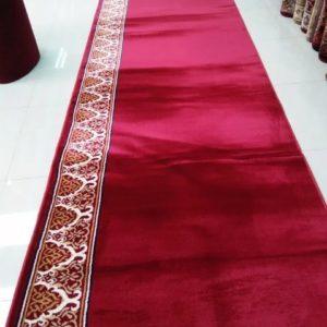 Karpet Iransahr merah