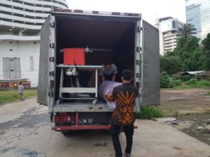 truk karpet masjid tiba di masjid