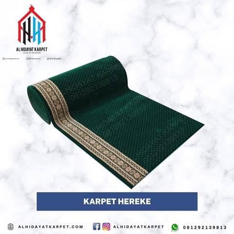 Karpet Turki Hereke hijau bintik