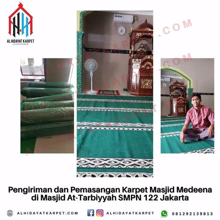 Pengiriman dan Pemasangan Karpet Masjid Medeena di Masjid At-Tarbiyyah SMPN 122 Jakarta