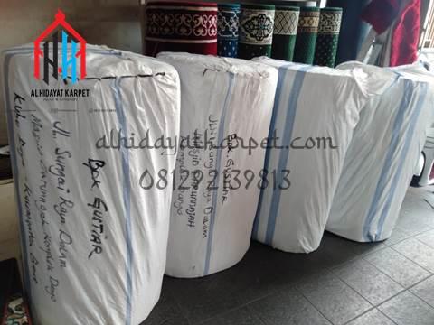 karpet masjid sudah di packing siap dikirim ke pontianak