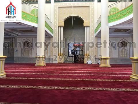 karpet masjid al namaz terpasang di masjid Darunnajah Pontianak - kalbar3
