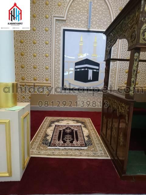 karpet masjid al namaz terpasang di masjid Darunnajah Pontianak - kalbar5